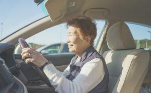 シニアカーは免許が無くても運転できます