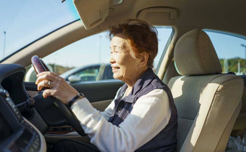 高齢者は、いつまで運転できる?