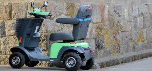 緑色のシニアカー